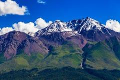 Гора Zhuoer графства Китая Цинхая Qilian сценарная стоковое изображение