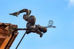 Горгулья змея металла стоковая фотография