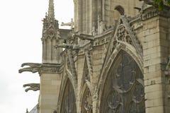 Горгульи на экстерьере собора Нотр-Дам, Парижа, Франции Стоковое Изображение RF