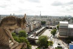 Горгулья на соборе Нотр-Дам, Париже Стоковое Изображение