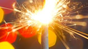 Горение бенгальского огня фейерверка Стоковая Фотография