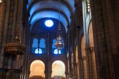 Горелка ладана, собор Сантьяго стоковые фотографии rf