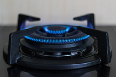 Горелки газовой плиты в кухне Стоковая Фотография