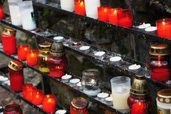 Горелки и свечи в Marianka - самом старом месте паломничества, Словакии Стоковые Изображения