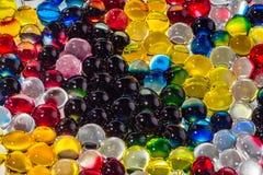 Горизонтальная текстура группы в составе пестротканые прозрачные шарики гидрогеля Стоковое Изображение