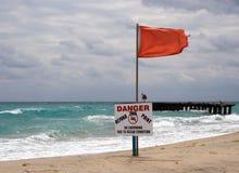 горизонтальное предупреждение знака Стоковое фото RF