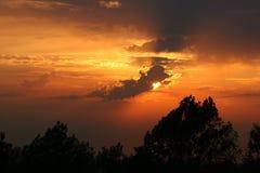 горизонтальный заход солнца стоковые изображения