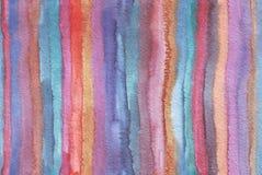 Горизонтальная большая иллюстрация с нашивками акварели вертикальными в безшовной абстрактной предпосылке Яркие цвета, зернистая  Стоковые Фотографии RF
