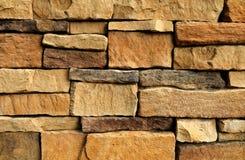 Горизонтальная текстура несимметричной кирпичной стены стоковое изображение rf