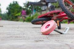 Горизонтальное фото велосипеда крупного плана для аварии детей на Стоковое Изображение RF