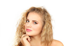 Горизонтальный портрет девушки на белой предпосылке Стоковые Фото