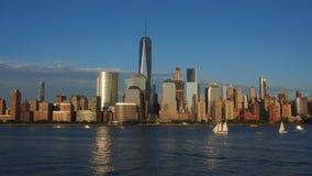 Горизонты Нью-Йорка на ноче Стоковая Фотография