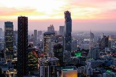 Горизонт Бангкока на заходе солнца Стоковые Фото