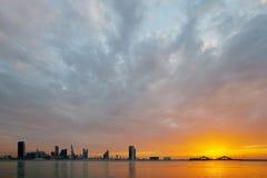 Горизонт Бахрейна на заходе солнца, HDR Стоковое Фото