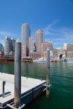 Горизонт Бостона и северный мост бульвара Стоковые Фото