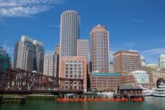Горизонт Бостона и северный мост бульвара Стоковое Фото