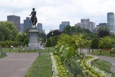 Горизонт Бостона с памятником Джорджа Вашингтона Стоковое фото RF