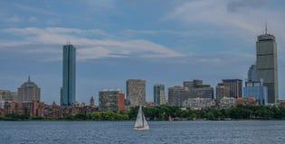 Горизонт Бостон от стороны реки стоковая фотография rf