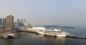Горизонт Ванкувера воздушный около места Канады Стоковое фото RF