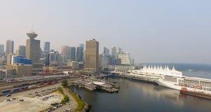 Горизонт Ванкувера воздушный около места Канады Стоковые Фотографии RF