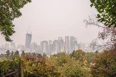 Горизонт Ванкувера во время ДО РОЖДЕСТВА ХРИСТОВА лесных пожаров стоковое фото