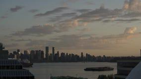 горизонт Ванкувера промежутка времени 4K на взгляде захода солнца центра города сток-видео