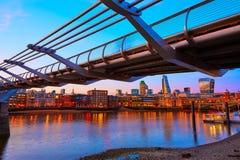 Горизонт Великобритания моста тысячелетия Лондона Стоковое фото RF