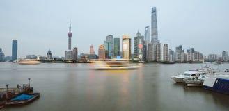 Горизонт в вечере, Азия Шанхая стоковое фото rf