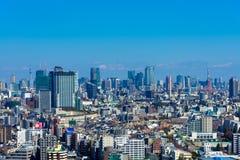 Горизонт в токио, Японии смогите увидеть, что skytree токио и токио возвышалось совместно стоковые изображения rf