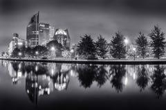 Горизонт Гааги на ноче Стоковое Изображение RF
