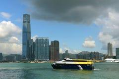 Горизонт Гонконга Kowloon и гавань Виктории стоковое изображение rf