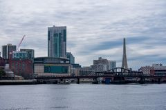 Горизонт города Бостона, с садом TD стоковое изображение rf