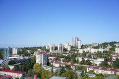 Горизонт города с взглядами солнечного города Сочи Стоковое фото RF