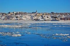 Горизонт города Levis и Река Святого Лаврентия, Квебек, Канада стоковая фотография