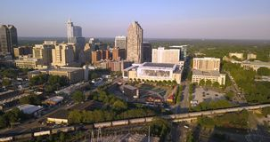 Горизонт города Raleigh Северной Каролины вида с воздуха городской акции видеоматериалы