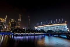 Горизонт города на ноче Стоковые Изображения RF