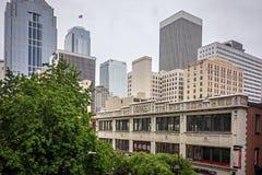 Горизонт города Сиэтл Вашингтона и городские улицы Стоковые Фотографии RF