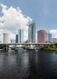 Горизонт города Тампа Флориды в течение дня Стоковое Изображение RF