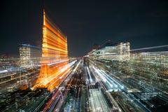 Горизонт города токио нерезкости на ноче Стоковое Изображение RF