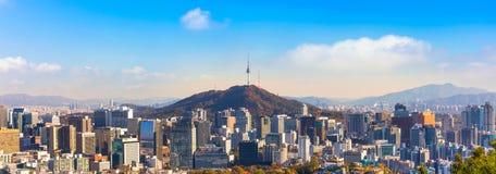 Горизонт города Южной Кореи Сеула стоковое изображение