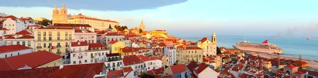 Горизонт городка Лиссабона старый Стоковые Фото
