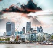 Горизонт захода солнца города Лондона, Великобритании Стоковая Фотография RF