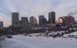 Горизонт зимы Эдмонтона, Альберты стоковые изображения