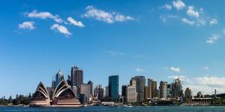 Горизонт и гавань города Сиднея стоковая фотография