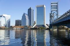 Горизонт и мост Джексонвилла Флориды Стоковое Изображение RF