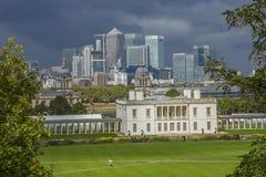 Горизонт канереечного финансового района причала Лондона Рой Стоковое Изображение RF