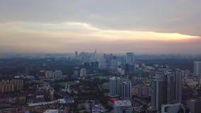 Горизонт Куалаа-Лумпур от взгляда сверху в утре акции видеоматериалы