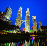 Горизонт Куалаа-Лумпур на ноче Стоковое Изображение RF