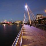 Горизонт Лондона, мост Hungerford Стоковые Изображения RF