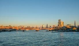 Горизонт Лондона снял в последнем winter& x27; afernoon s Стоковое Фото